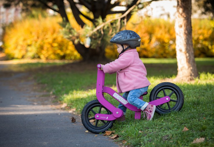 re-pello-model-j-balance-bike-girl-02